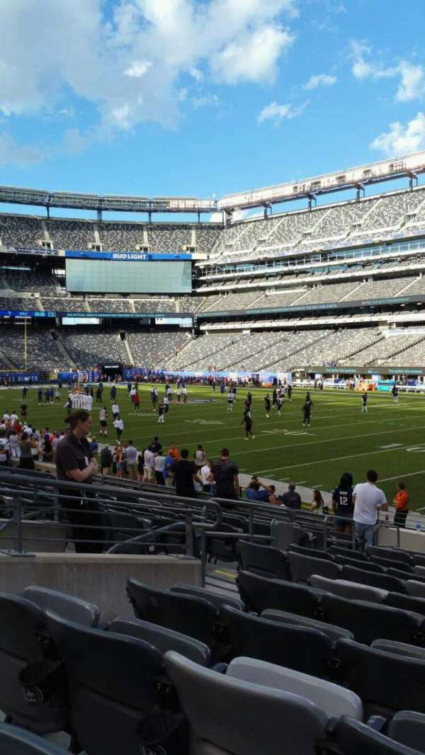 MetLife Stadium, section: 133, row: 13, seat: 10