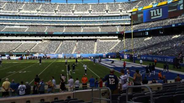 MetLife Stadium, section: 135, row: 8, seat: 1