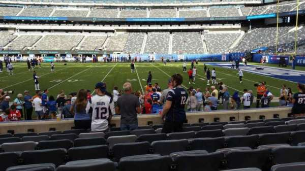 MetLife Stadium, section: 135, row: 8, seat: 22