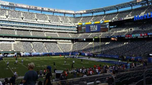 MetLife Stadium, section: 139, row: 18, seat: 6