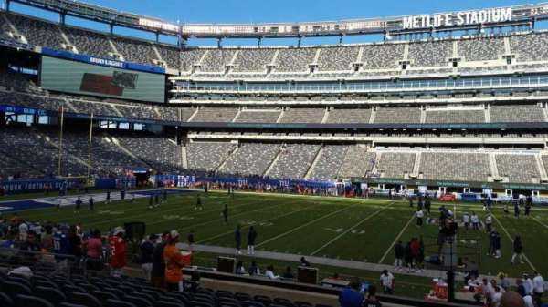 MetLife Stadium, section: 139, row: 18, seat: 16