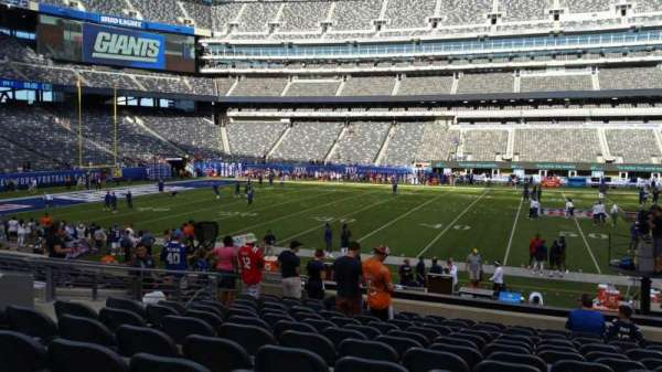 MetLife Stadium, section: 139, row: 18, seat: 22