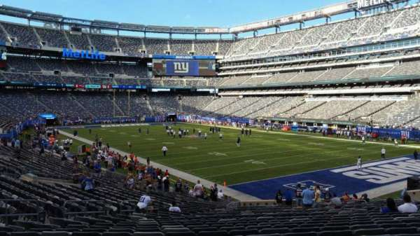 MetLife Stadium, section: 131, row: 27, seat: 15