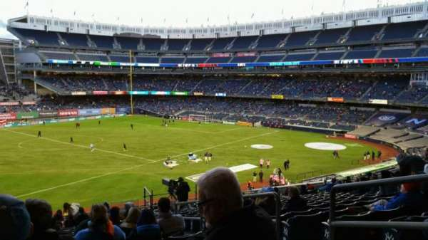Yankee Stadium, section: 228, row: 19, seat: 4