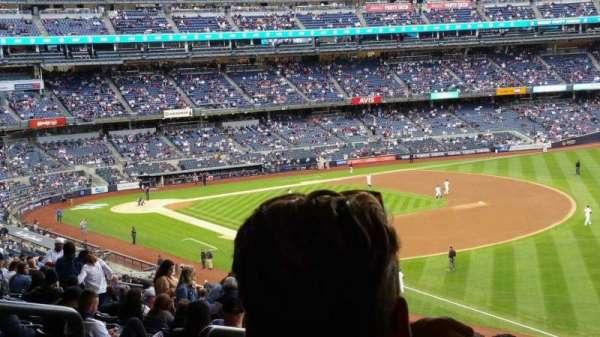 Yankee Stadium, section: 210, row: 22, seat: 19