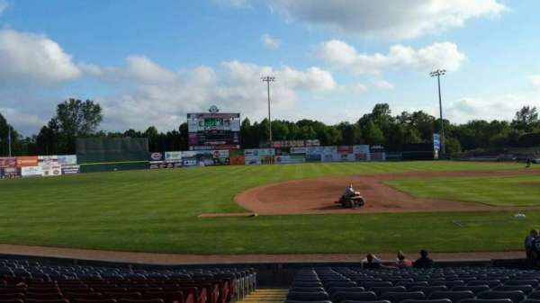 Dodd Stadium, section: 18, row: N, seat: 12