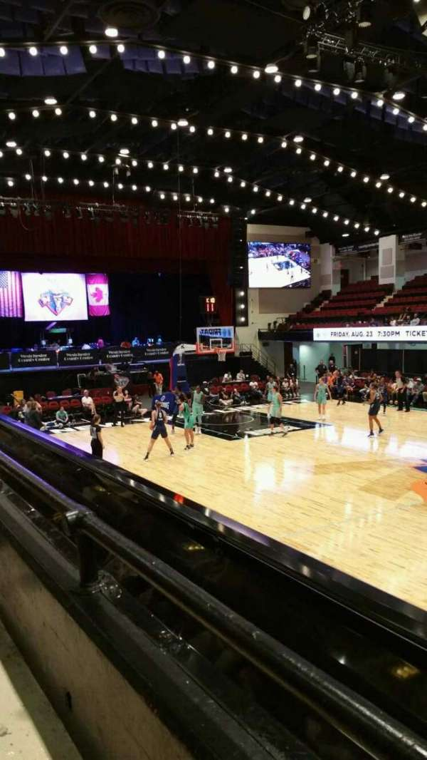 Westchester County Center, section: 40LFT, row: A, seat: 48