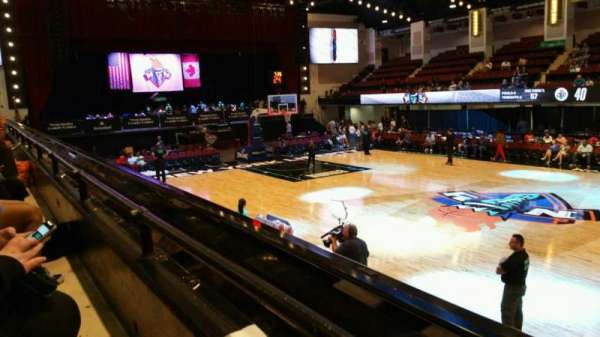Westchester County Center, section: 40LFT, row: A, seat: 49