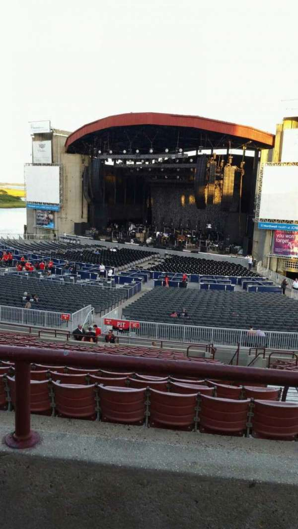 Jones Beach Theater, section: 4R, row: BB, seat: 1