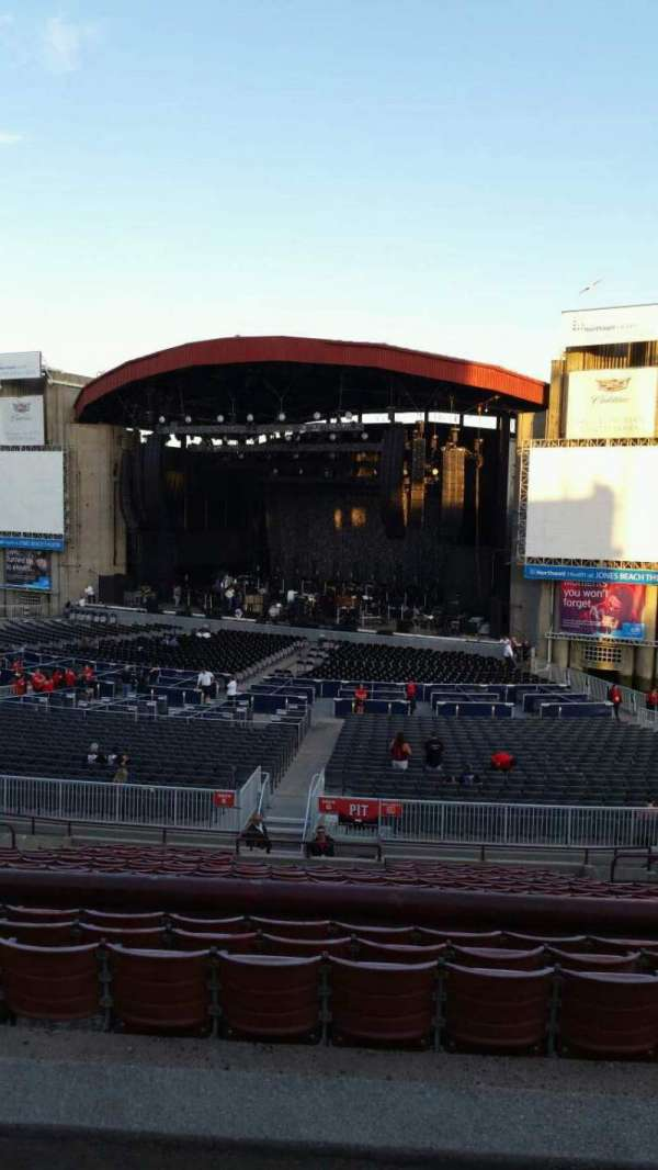 Jones Beach Theater, section: 4R, row: BB, seat: 11