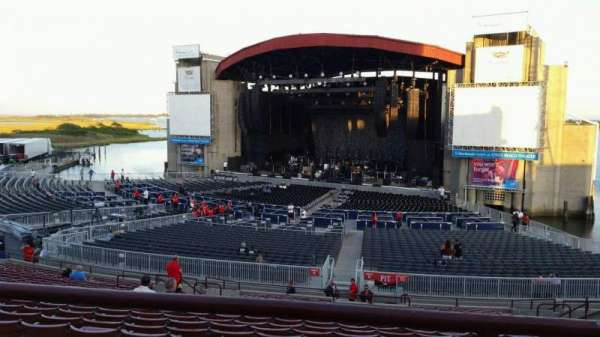 Jones Beach Theater, section: 6L, row: AA, seat: 1