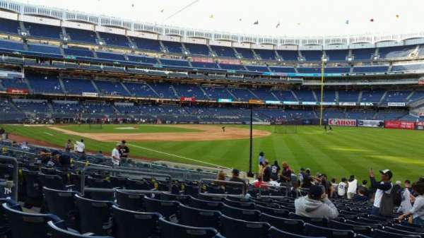 Yankee Stadium, section: 110, row: 17, seat: 9