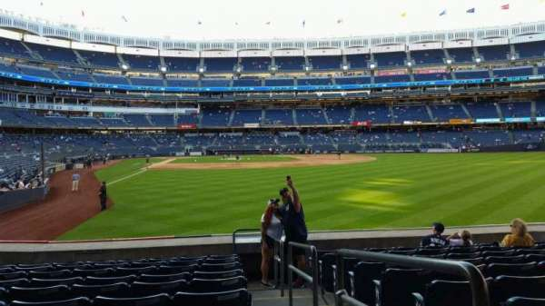 Yankee Stadium, section: 106, row: 10, seat: 1