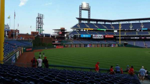 Citizens Bank Park, section: 139, row: 33, seat: 1