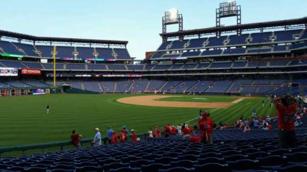 Citizens Bank Park, section: 139, row: 33, seat: 10