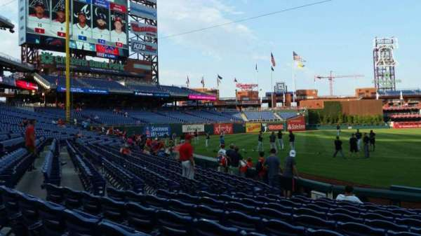 Citizens Bank Park, section: 133, row: 11, seat: 1