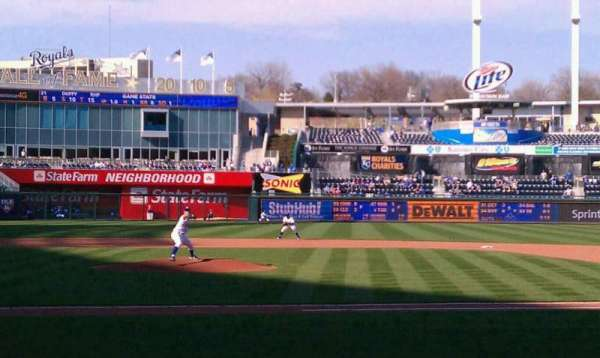 Kauffman Stadium, section: 132, row: D, seat: 5