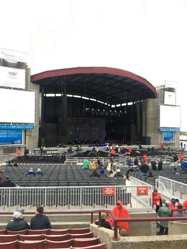 Jones Beach Theater, section: 13l, row: H, seat: 5