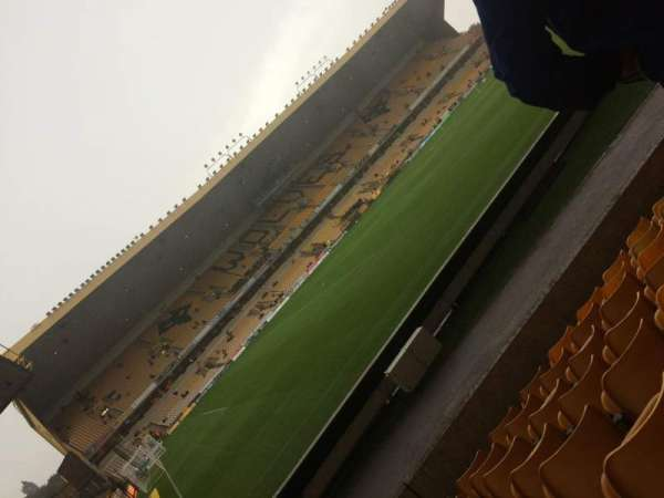 Molineux Stadium, section: JL10, row: J, seat: 263