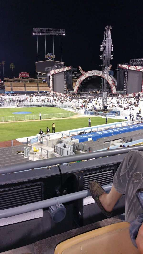 Dodger Stadium, section: 122lg, row: B, seat: 2