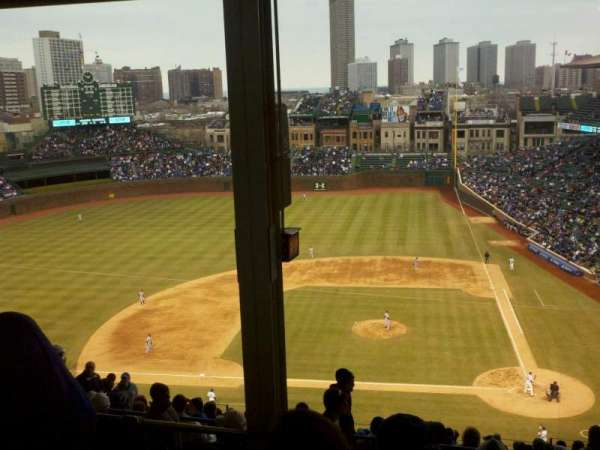 Wrigley Field, section: 413L, row: 6, seat: 3