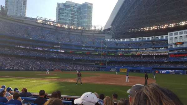 Rogers Centre, section: 115R, row: 7, seat: 3