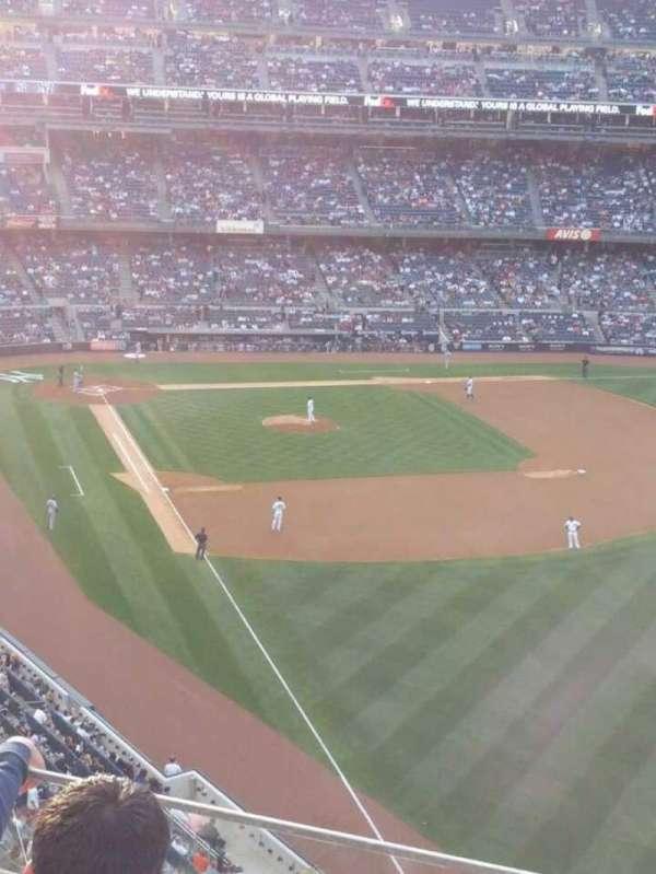 Yankee Stadium, section: 308, row: 3, seat: 12