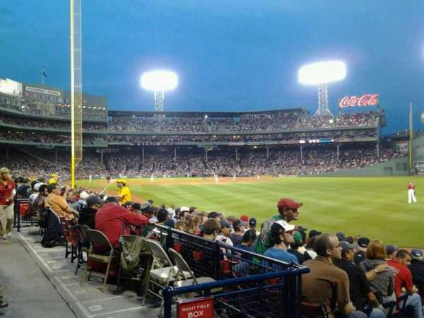 Fenway Park, section: Right Field Box 92, row: EE