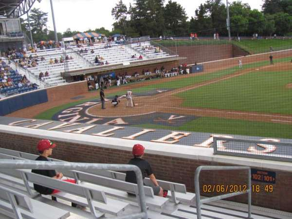 Davenport Field, section: 101, row: I