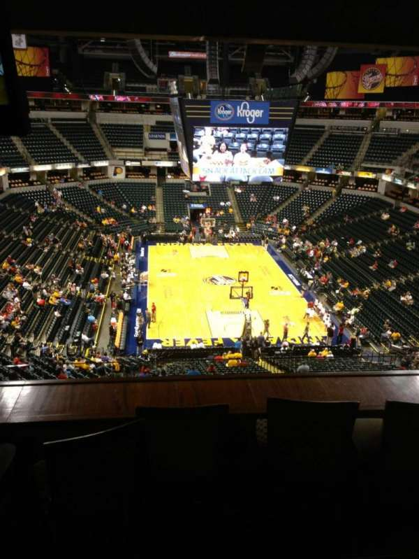 Bankers Life Fieldhouse, section: Varsity Clib, row: Snack Long, seat: 213