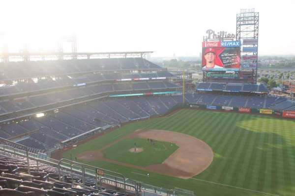 Citizens Bank Park, section: 413, row: 14