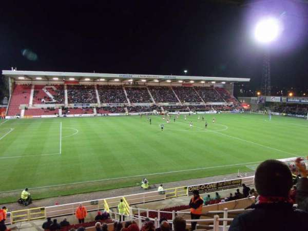 County Ground, section: AW1, row: M, seat: 181
