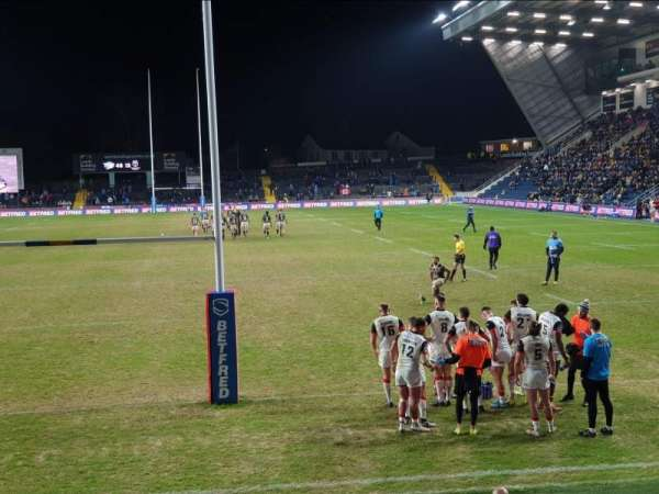 Headingley Stadium, section: Global Stand Terrace