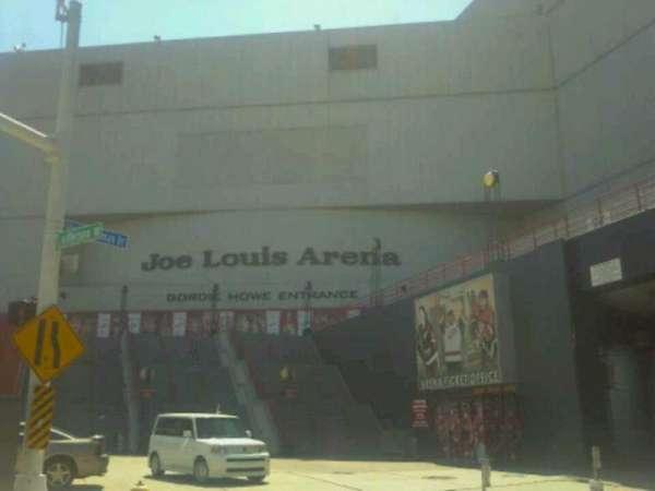 Joe Louis Arena, section: Gordie Howe entrance