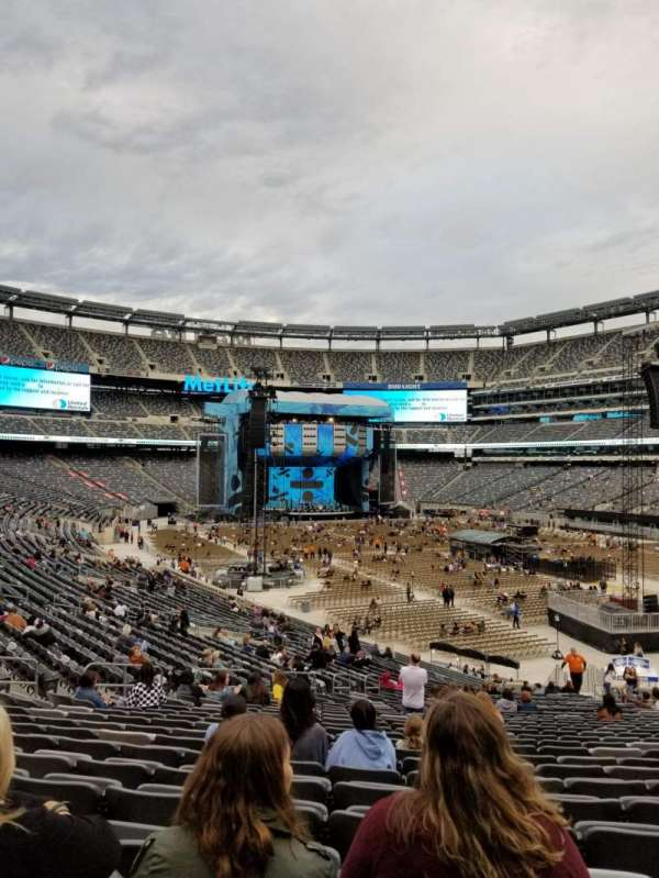 MetLife Stadium, section: 131, row: 34, seat: 16