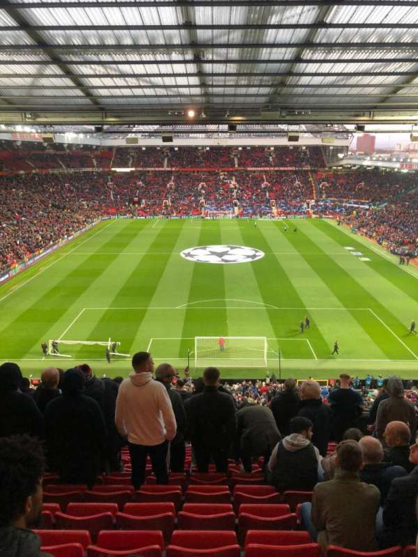 Old Trafford, section: W3104, row: 13