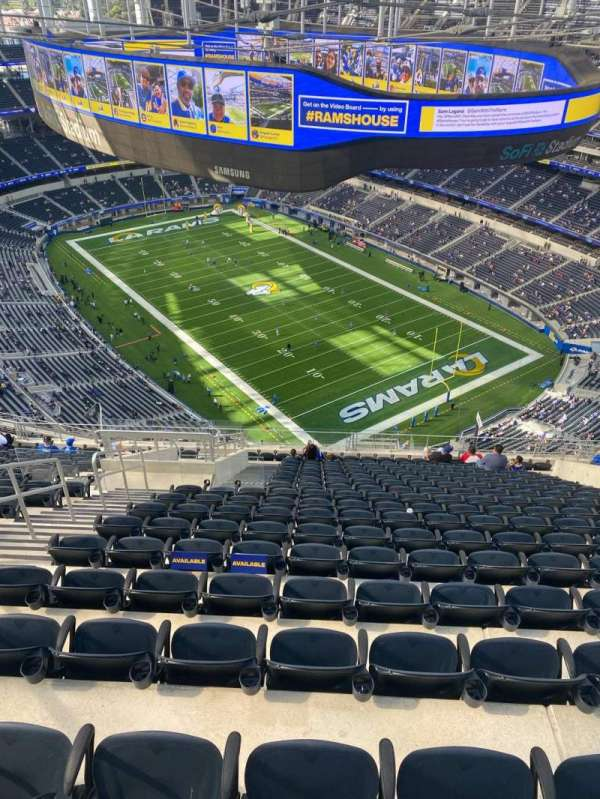 SoFi Stadium, section: 524, row: 18, seat: 14