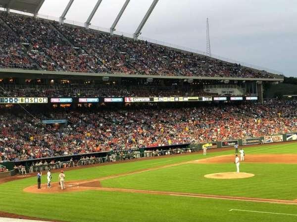 Kauffman Stadium, section: 135, row: R, seat: 4