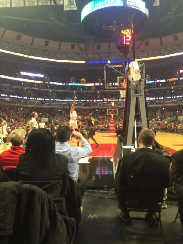 United Center, section: 117, row: A, seat: 7