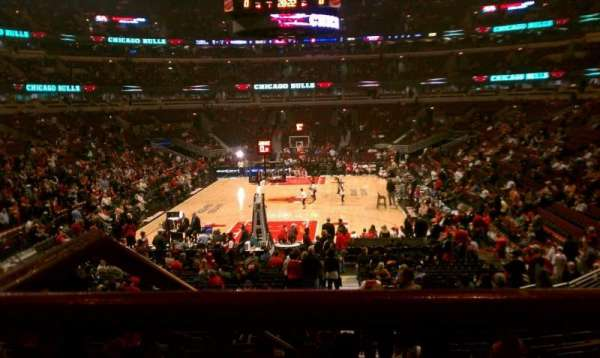 United Center, section: 106, row: 19, seat: 2