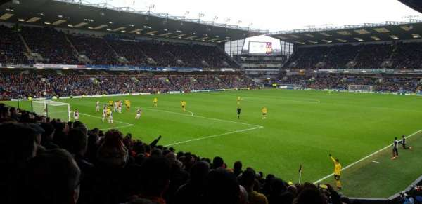 Turf Moor, section: 9, row: Q, seat: 2