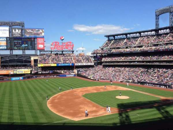 Citi Field, section: 328, row: 3, seat: 24