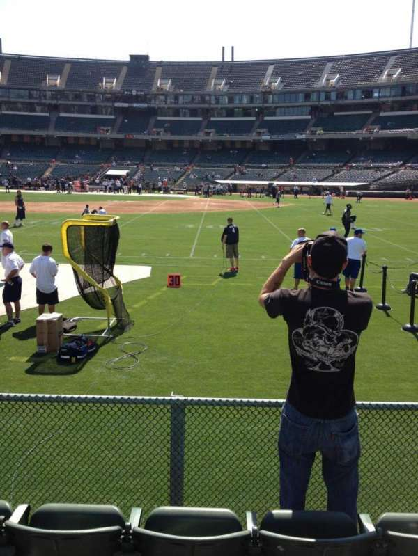 Oakland Coliseum, section: 140, row: 4, seat: 6