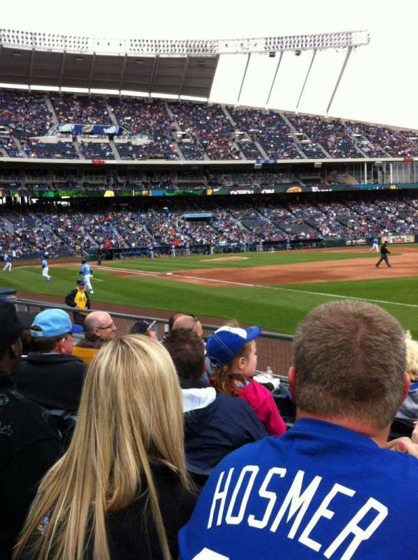 Kauffman Stadium, section: 141, row: F, seat: 6