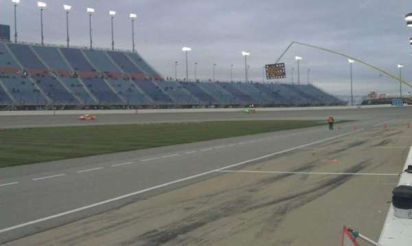 Chicagoland Speedway, section: Pit