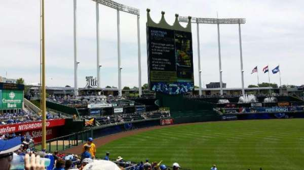 Kauffman Stadium, section: 212, row: JJ, seat: 9