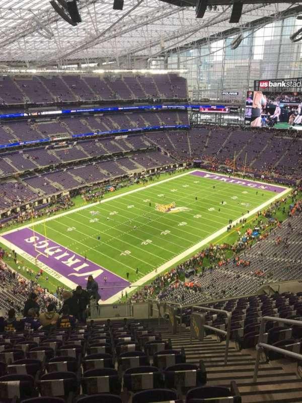 U.S. Bank Stadium, section: 320, row: 15, seat: 3