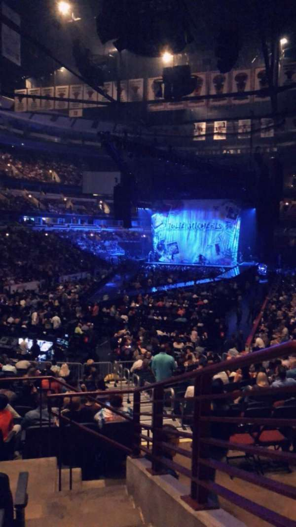 United Center, section: 105, row: 19, seat: 5