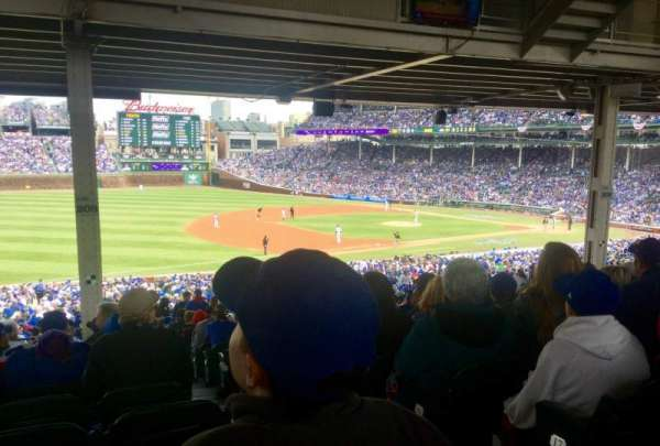 Wrigley Field, section: 208, row: 19, seat: 102