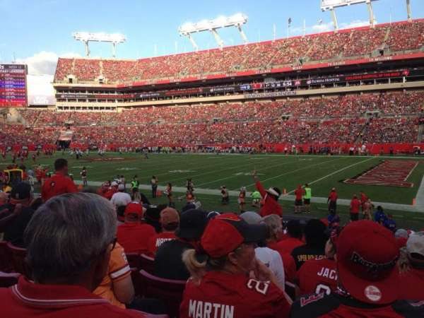Raymond James Stadium, section: 115, row: R, seat: 9
